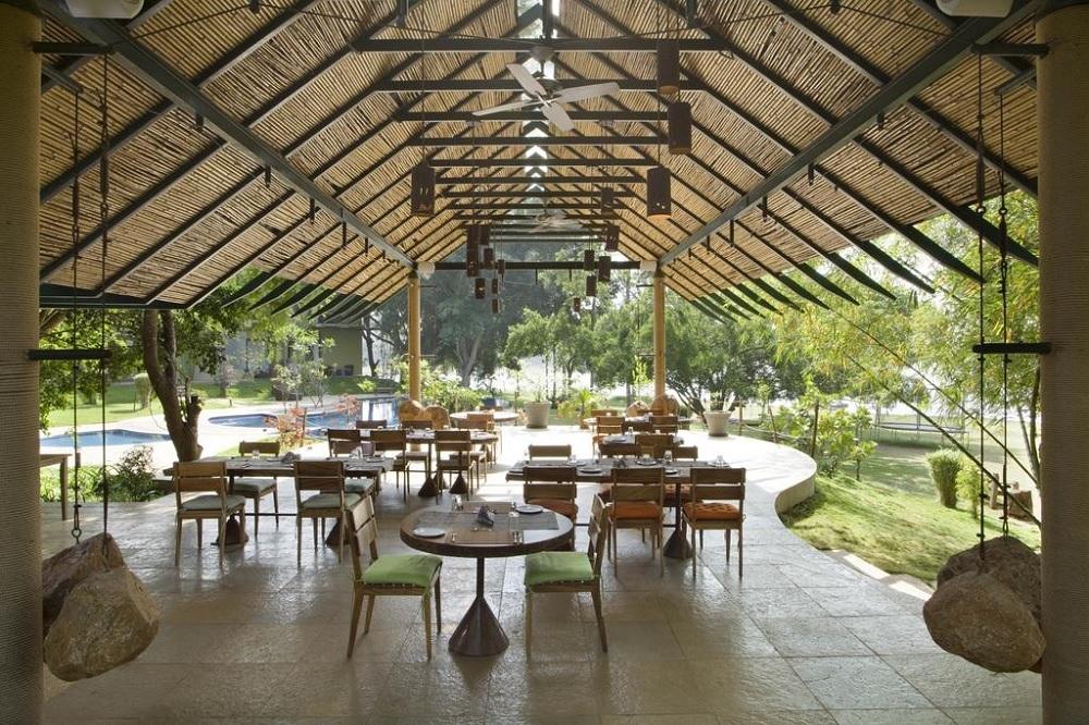 Waterwoods Lodge Kabini Dining