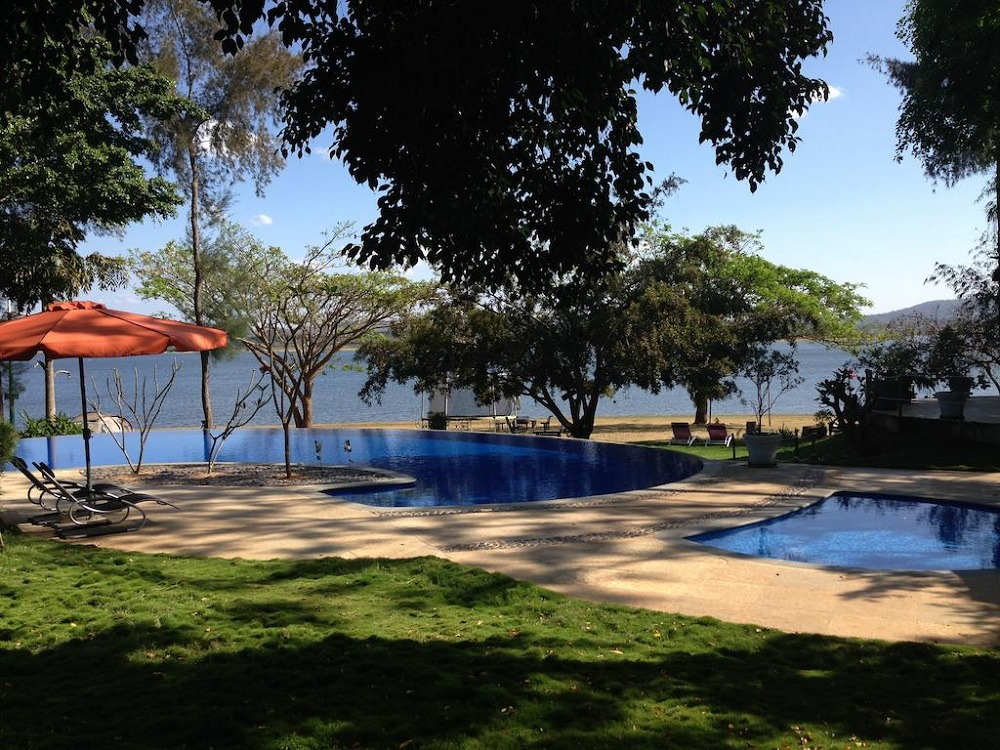 Waterwoods Lodge Kabini Pool