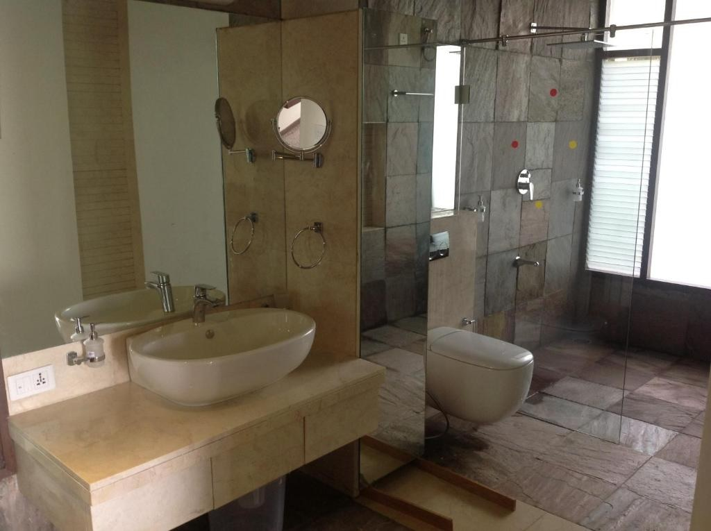 Waterwoods Lodge Kabini Twin & King Room Batharea